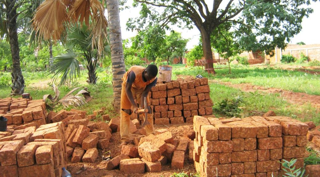 Travail des pierres pour la construction